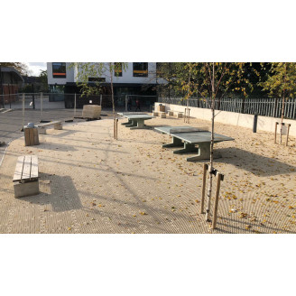 Fabriqué a partir de PVC de Haute résistance, il permet de réaliser des espaces publics facilement.