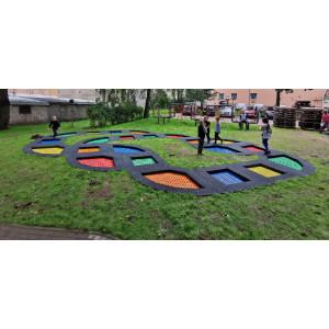 Trampolines enterrés - un moyen intéressant de rendre le terrain de jeu plus attrayant